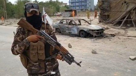 <span style='background:#EDF514'>ISIS</span>-K revendica atacul cu rachete de luni dimineata asupra aeroportului din Kabul