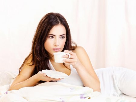 De ce cafeaua ii face pe unii oameni sa se simta somnorosi. Iata care este cauza principala