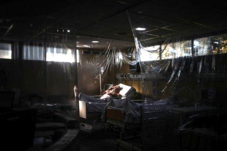 Lovit de uragan in plin val COVID. Statul american unde spitalele au ramas fara curent, iar medicii ventileaza mecanic bolnavii