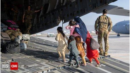 Ultimele ore ale evacuarii din Afganistan se dovedesc a fi cele mai tensionate. Sub <span style='background:#EDF514'>TIRURI</span> de rachete, americanii incearca sa-si duca la bun sfarsit misiunea