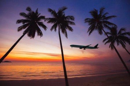 Hawaii, asediata de turisti americani. Sefii din insule studiaza un plan de limitare a intrarilor