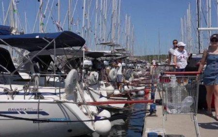 Turistii au luat cu asalt <span style='background:#EDF514'>YACHT</span>-urile din Croatia, pentru vacante in larg. Barcile sunt rezervate pana in octombrie