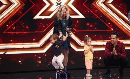 Delia si-a dus <span style='background:#EDF514'>NEPOT</span>ii pe platourile de filmare de la X Factor. Cum a fost surprinsa artista in preajma lor