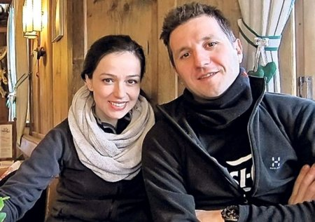 Detalii nestiute din casnicia lui Andi Moisescu cu Olivia <span style='background:#EDF514'>STEER</span>. Cand suntem doar noi intre noi, fac gesturi romantice