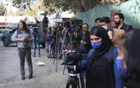 Presa din Afganistan este una dintre realizarile ultimilor 20 de ani. Jurnalistii se tem acum ca ea nu va supravietui talibanilor
