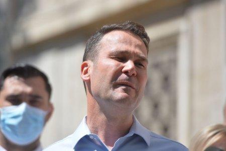 Consilieri ai USR-PLUS au depus plangere la DNA impotriva primarului Robert Negoita pentru accidentul de la Biblioteca Nationala