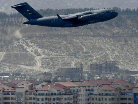 COMENTARIU Lelia Munteanu. America lui Biden a sters-o din Afganistan oferindu-le talibanilor o legitimitate solida de <span style='background:#EDF514'>LUPTATOR</span>i anti-ISIS