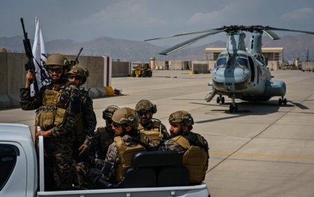 Aeronave militare si sute de mii de arme au ajuns pe mainile talibanilor dupa retragerea militarilor americani