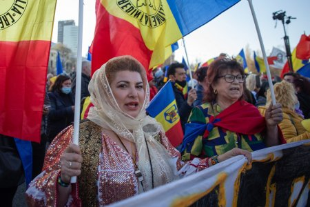 Incep protestele in Romania. Revolta e maxima: Peste 30% din populatia tarii se afle in pragul <span style='background:#EDF514'>SARACIE</span>i