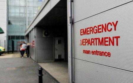 Un tanar a supravietuit mi<span style='background:#EDF514'>RACUL</span>os unei explozii puternice: Am fost in coma 12 zile, dar treningul mi-a salvat viata