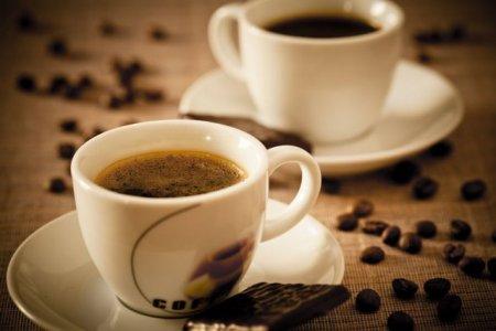 Cata cafea poti bea intr-o zi? Raspunsul il gasesti in ADN