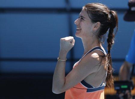 US Open 2021. <span style='background:#EDF514'>SORANA CARSTEA</span> a invins-o Veronika Kudermetova si s-a calificat in turul doi