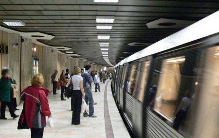 Metrorex: Defectiune la statia Piata Romana. Trenurile circula in sistem pendula intre Victoriei si Romana in urma unei defectiuni tehnice