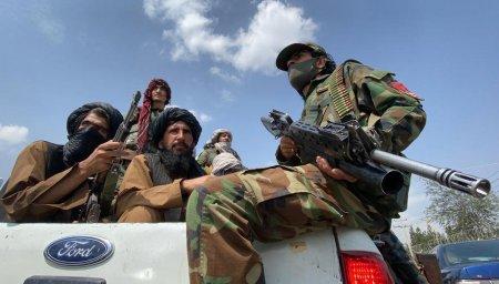 Londra negociaza cu talibanii pentru a-si evacua ultimii cetateni din Afganistan
