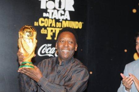 Pele, internat in spital! Legenda fotbalului brazilian a avut un mesaj pentru toti fanii sai