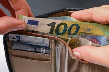 Aproape 7000 de euro pentru un weekend in Delta Dunarii. Iata cele mai scumpe vacante ale verii