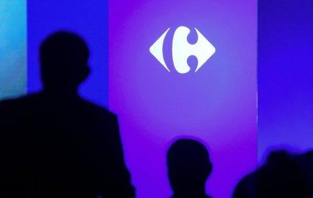 Bernard Arnault, al treilea cel mai bogat om din lume, isi vinde intreaga participatie la <span style='background:#EDF514'>CARREFOUR</span>, in valoare de peste 700 mil. euro. Actiunile retailerului, in scadere cu peste 4% pe bursa