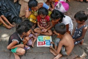 O boala misterioasa face ravagii in India. Zeci de copii au murit