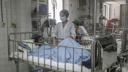 O boala misterioasa ucide copii in India iar specialistii nu reusesc s-o identifice. COVID, exclus de pe lista. Cine sunt ceilalti suspecti