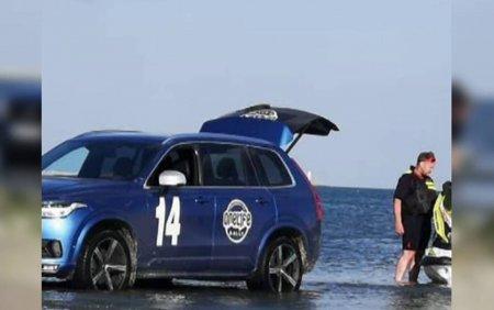 Aventura costisitoare pe <span style='background:#EDF514'>LITORALUL ROMANESC</span> pentru un barbat din Capitala. Ce a patit dupa ce a intrat cu masina pe plaja