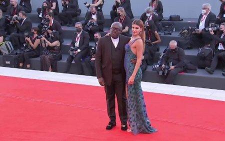 A inceput Festivalul de Film de la <span style='background:#EDF514'>VENETIA</span>. Ce vedete si-au facut aparitia pe covorul rosu