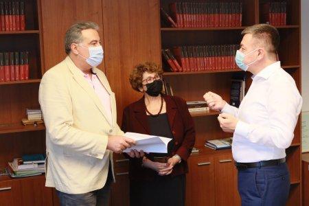 Adrian Cioroianu, numit de <span style='background:#EDF514'>MINISTRUL CULTURII</span> manager interimar al Bibliotecii Nationale a Romaniei