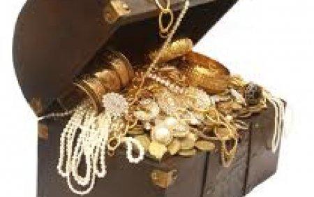 O comoara de 239 de monede de aur, din epoca Regelui Soare, a fost descoperita intr-un conac