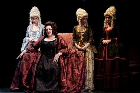 Spectacolul scris si regizat de Nae <span style='background:#EDF514'>CARANFIL</span>, Papagalul mut, revine pe scena Salii Mari a Teatrului National I. L. Caragiale din Bucuresti