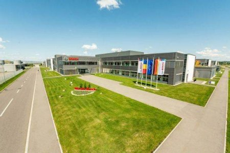 <span style='background:#EDF514'>BOSCH</span> deschide oficial a treia hala de productie la Cluj