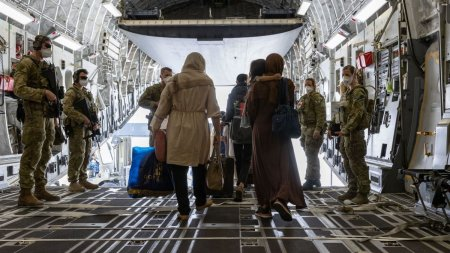 Soarta, nemiloasa cu doi frati, de cinci si sase ani, evacuati in Polonia din Afganistan. Unul a murit, celalalt s-a ales cu leziuni cerebrale si pronostic rezervat
