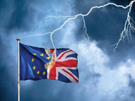 Brexitul nu le-a adus englezilor <span style='background:#EDF514'>APOCALIPSA</span> economica, dar ii lasa fara soferi si, mai grav, fara bere. Marea Britanie se confrunta in prezent cu o penurie de 100.000 de soferi, dintr-un total prepandemic de aproximativ 600.000