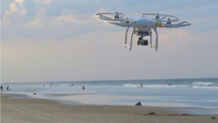 Italia face controlul temperaturii turistilor de pe plaja cu drona