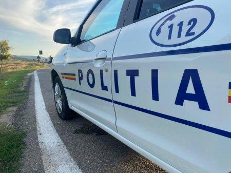 <span style='background:#EDF514'>POLITIST AGRESAT</span> de doua femei la Vaslui, dupa un control de rutina in trafic. Trei persoane au fost arestate