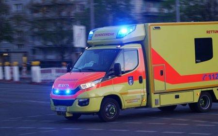 Noua persoane au fost ranite in Germania, dupa ce <span style='background:#EDF514'>BALCON</span>ul in care petreceau s-a prabusit