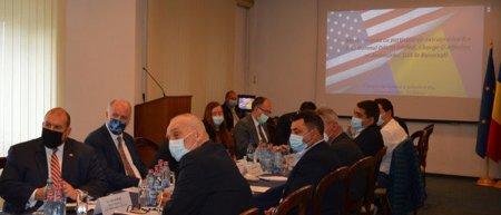 Masa rotunda de promovare a oportunitatilor de cooperare romano-americane  la <span style='background:#EDF514'>CAMERA DE COMERT</span> si Industrie Cluj
