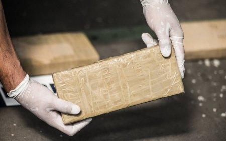 Un submarin care transporta 1,8 tone de cocaina a fost <span style='background:#EDF514'>CAPTUR</span>at langa coasta sud-vestica a Columbiei