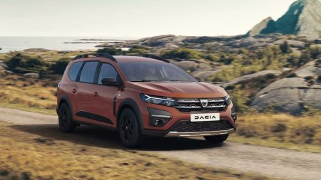 Dacia a prezentat primele detalii si imagini cu noua masina Jogger. Va avea 7 locuri, o motorizare hibrid si 140 de <span style='background:#EDF514'>CAI PUTERE</span>