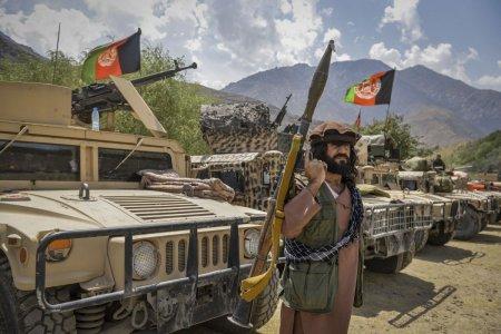 Valea Panjshir i-a respins in trecut pe britanici, sovietici si talibani. Acum, o noua miscare de rezistenta lupta impotriva regimului de la Kabul