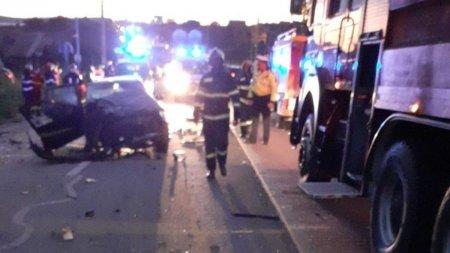 Accident grav in Tureni, Cluj. Un barbat a murit pe loc, in urma coliziunii dintre doua <span style='background:#EDF514'>AUTOTURISME</span>
