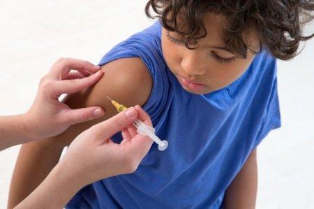 Covid. De ce expertii englezi nu recomanda vaccinurile pentru copiii intre 12 si 15 ani