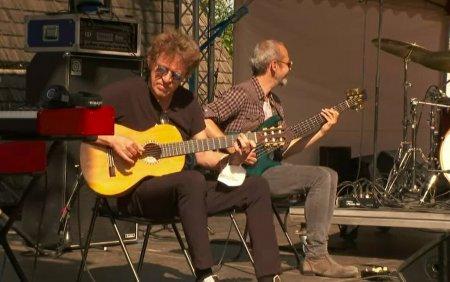 Spectacol oferit de Chitaristul trupei Sting, Dominic Miller, in a doua zi a festivalului Jazz in the <span style='background:#EDF514'>PARK</span>