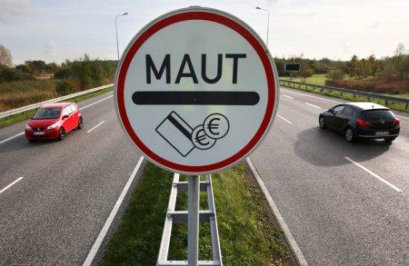 Un bunic a vrut sa-si ia <span style='background:#EDF514'>NEPOT</span>ica de la scoala, s-a ratacit si a mers 550 de kilometri cu masina intr-o directie gresita, in Germania