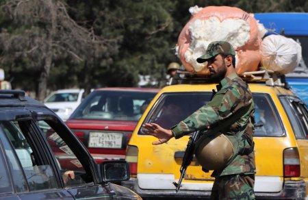 MAE: Inca 15 cetateni afgani au fost evacuati din Afganistan si se afla in siguranta in Pakistan