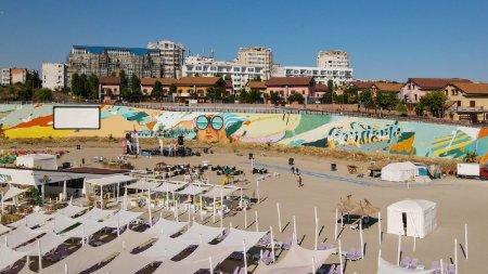 Pictura murala care purifica aerul inaugurata in premiera pe o plaja din Constanta. Autorii vor sa o inscrie in Cartea Recordurilor