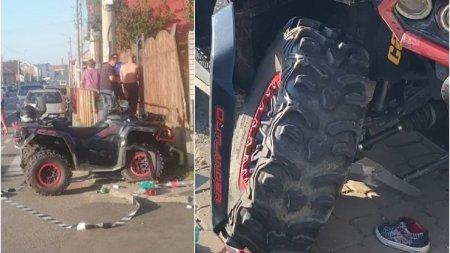 O femeie si un copil au fost loviti de un ATV pe o trecere de pietoni din Arad. <span style='background:#EDF514'>SOFERUL</span> a fugit de la locul accidentului