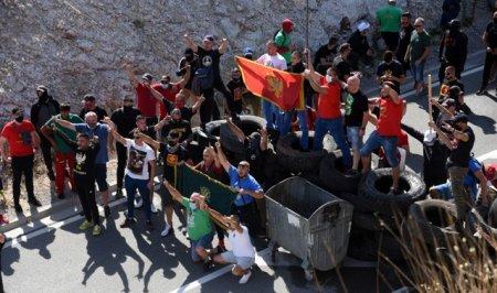 Proteste in Muntenegru pe fondul numirii noului lider al Bisericii Ortodoxe. Manifestantii s-au ciocnit cu fortele de ordine
