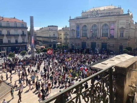 Franta: sute de manifestatii impotriva <span style='background:#EDF514'>PERMISUL</span>ui sanitar