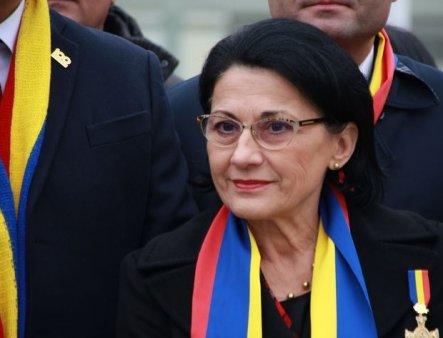 <span style='background:#EDF514'>ECATERINA</span> Andronescu: PSD nu are de ales si trebuie sa voteze motiunea!