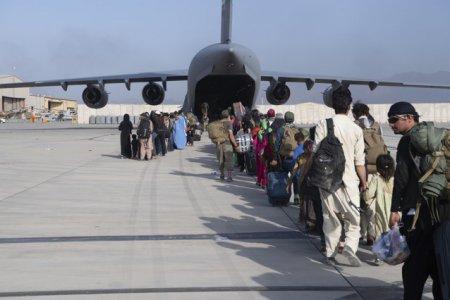 Romania continua evacuarile din Afganistan. 80 de cetateni afgani vor pleca curand spre Bucuresti