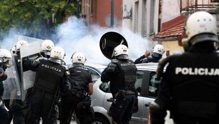 Noul mitropolit al Muntenegrului a fost inscaunat. Protestatarii, dispersati cu gaze lacrimogene